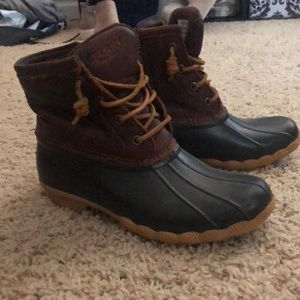 Shoes - Sperry Duck boots